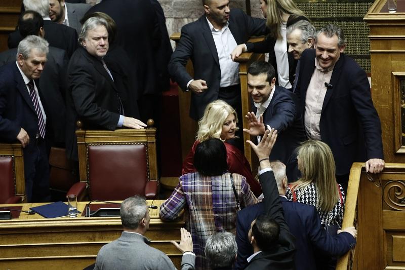Greek PM survives no-confidence vote