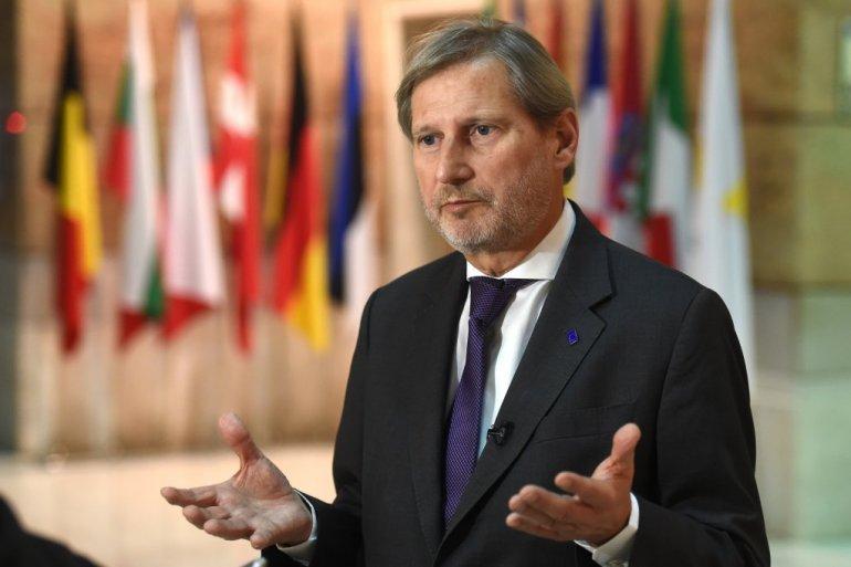 Hahn praises North Macedonia for solving all bilateral disputes