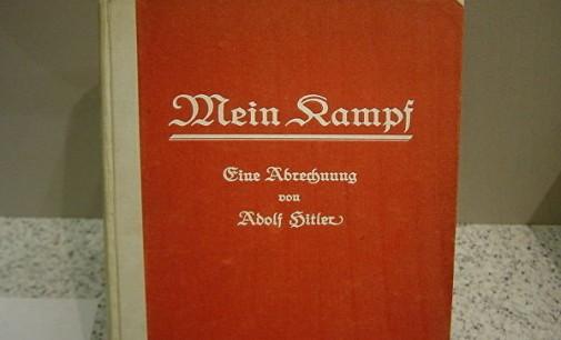 """Препечатеното издание на Хитлеровата """"Мојата борба"""" стана бестселер во Германија"""