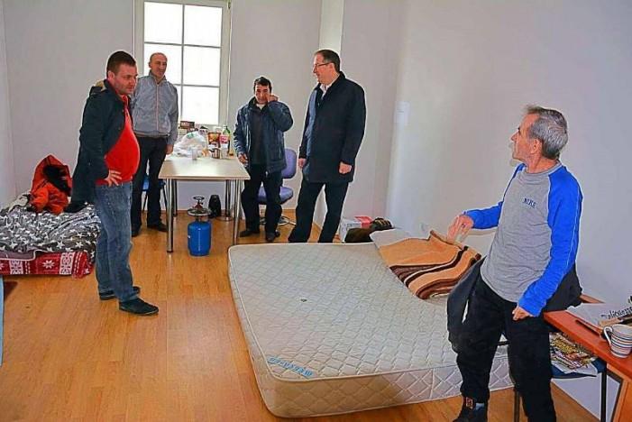 """Бездомниците згрижени во пунктот на ЈП """"ПОЦ"""" благодарни за помошта"""