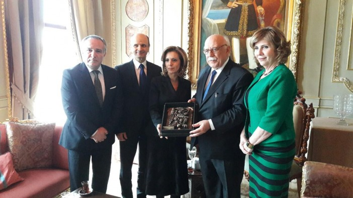 "Министерката Елизабета Канческа-Милевска ја доби наградата ""Yes to Art"""