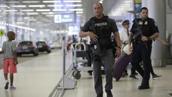 Пет жртви во вооружениот напад на аеродромот на Флорида, напаѓачот контактирал со FBI