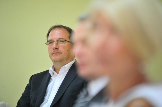 Жерновски ја донираше декемвриската плата за хуманитарни цели