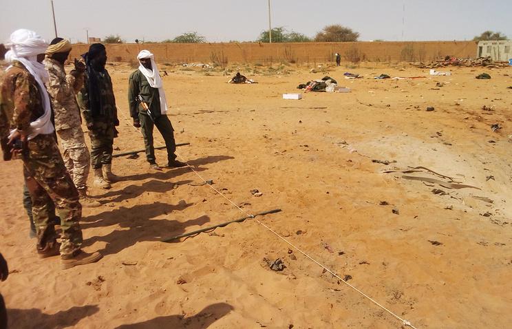Најмалку 42 мртви во бомбашки напад во Мали