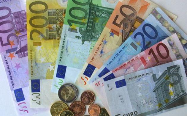 Швајцарската UBS препорачува инвестирање во евра