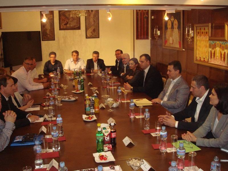 Груевски на средба со коалиционите партии
