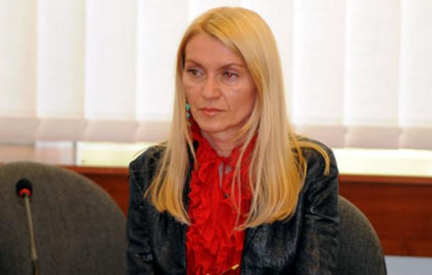 Лидија неделкова бара соочување со судскиот совет пред новинари