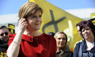 Шкотската премиерка ѝ постави ултиматум на британската колешка во врска со Брегзит