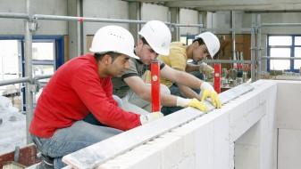 Хелсиншки: Законот за минималната плата остава простор за злоупотреби од работодавците