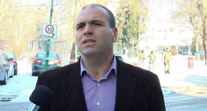 Димитриевски: Војниците нема да работат во искинати униформи, ќе го вратиме достоинството на АРМ