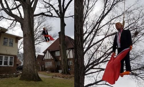 """Американец го """"обеси"""" Трамп со знамето на СССР"""