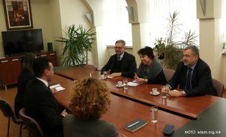Средба на Заев со амбасадори: Што побрзо да се формира парламентарното мнозинство, потребна е стабилна реформска Влада
