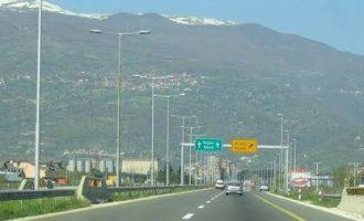 Југохромци го блокираа автопатот Тетово-Скопје