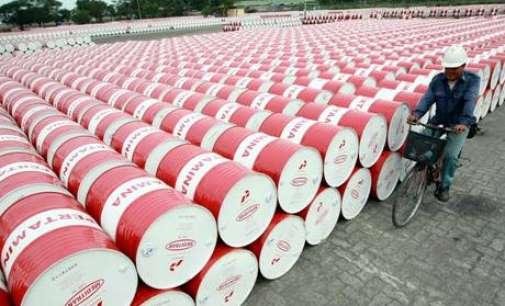 Пораките од OPEC ја кренаа цената на нафтата кон 57 долари