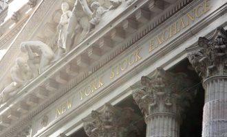 Банкарскиот сектор го поттикна растот на Волстрит, по уредбите на Трамп