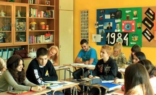 """Отворен конкурсот за стипендии за школување во меѓународната гимназија """"Нова"""""""