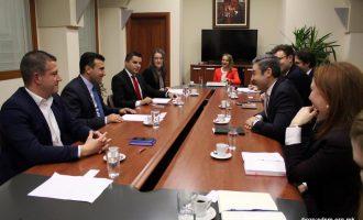 Заев се сретна со делегација на Атланскиот совет: Потребна е стабилна влада