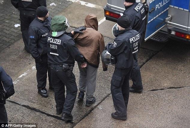 Претреси во Германија и Британија во врска со Ал Каеда