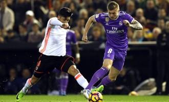 Реал Мадрид потклекна на Местаља, Валенсија славеше со 2:1
