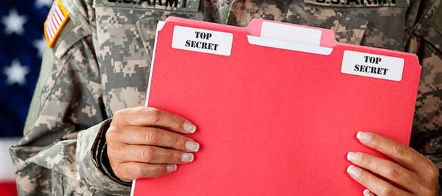 Службеник на NSA обвинет за кражба на тајни податоци, му се закануваат 200 години затвор