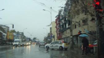 Облачно со повремен дожд