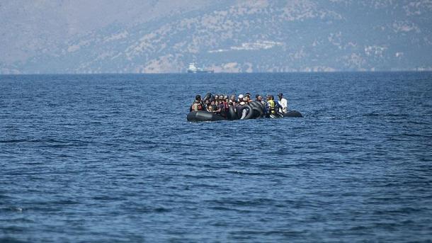 Спасени преку 40 мигранти во Егејот после повикот за помош