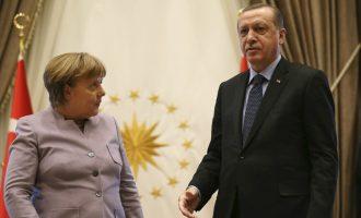 Ердоган со замерка до Меркел: Исламот и тероризмот не треба да се поврзуваат