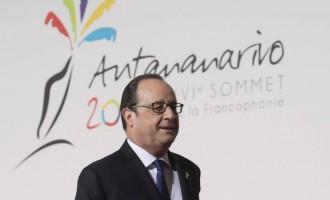 Оланд ги повика Меркел, Рахој и Џентилони на самит во Версај