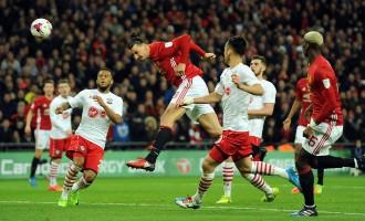 Ибрахимовиќ го носи Лига купот во Манчестер (видео)
