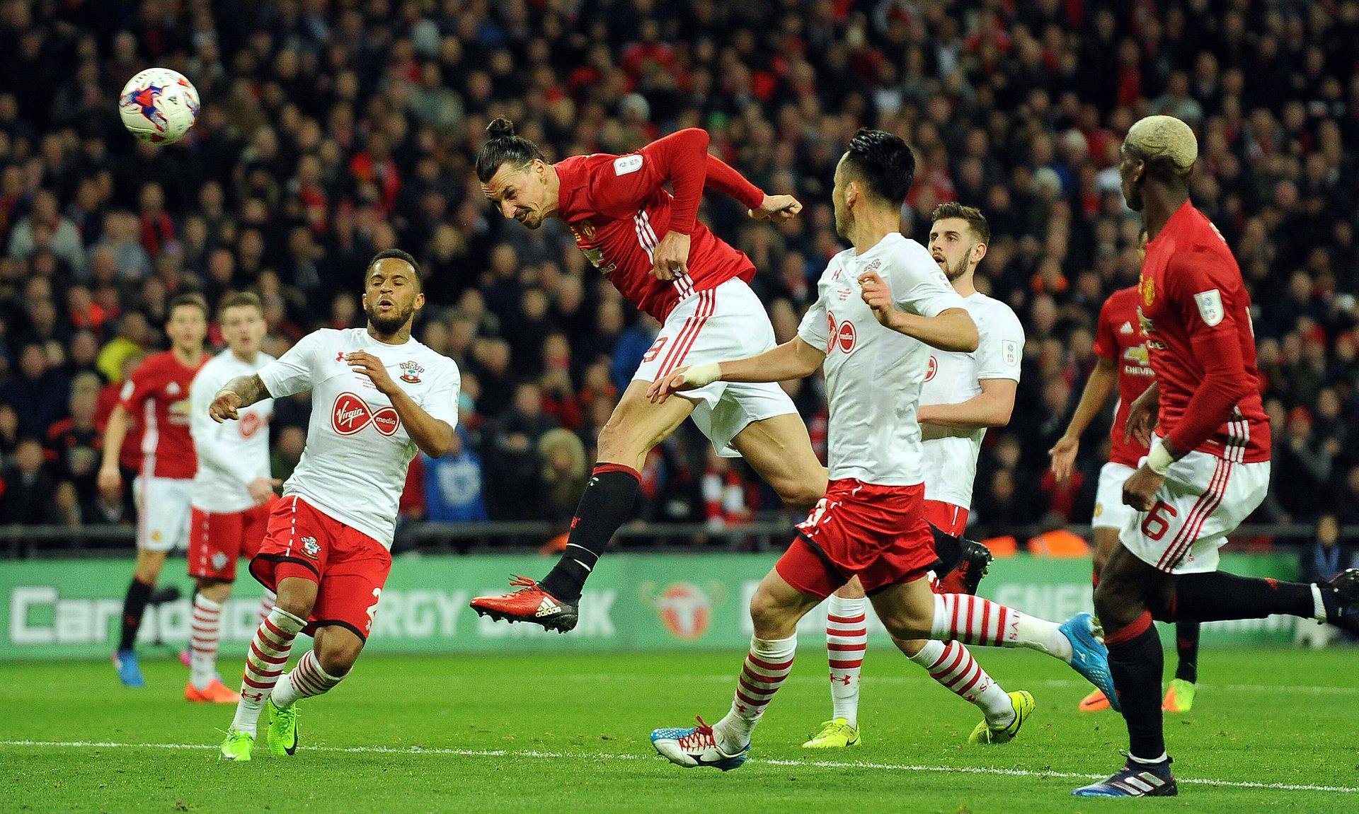 Ибрахимовиќ го носи Лига купот во Манчестер