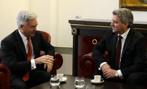 """Иванов од Данкан побара """"појасна поддршка"""" од Британија за стратешките цели на Македонија"""