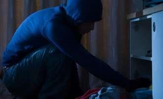 Во одделни кражби украдени 18.000 евра и пиштоли
