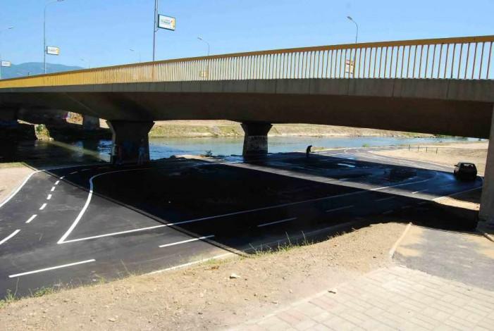 "Мостот ""Близнак"" затворен поради пукната гасоводна цевка"