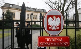Варшава ги отфрла критиките од Брисел поради Уставниот суд