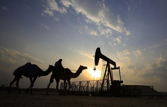 Цените на нафта близу 57 долари, во фокусот тензиите во иранско-американско односи