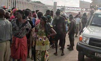 Најмалку 17 навивачи загинаа во стампедо во Ангола