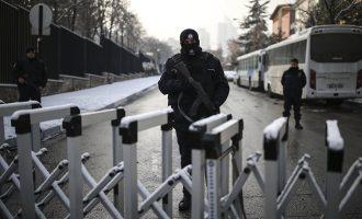 Шеесетина уапсени во  Анкара и 400 во цела Турција поради врски со IS