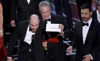 Компанијата PwC истражува како се случи забуната со ковертите на Оскарите