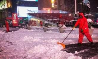 Најмалку три жртви во снежна бура во САД