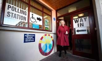 Ирците гласаат по вторпат на избори за десет месеци по распадот на владејачката коалиција