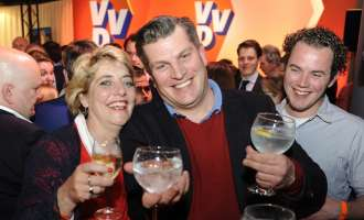 Холандија: Вилдерс им се заблагодари на гласачите, анкетите му даваат победа на Руте