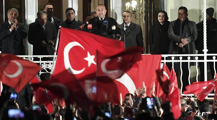 Доналд Туск: Турците немаат допир со реалноста