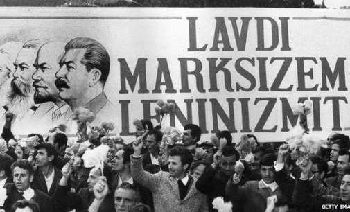 """Албанија ги отвори архивите  на Сигурими, """"злото што го труе општество"""""""