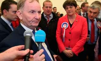 Тесна победа на унионистите во Северна Ирска