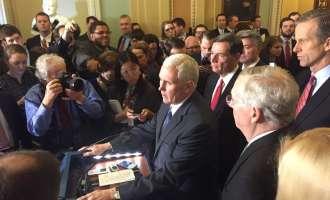Сенатот ги потврди Коутс и Мекмастер, кандидатите на Трамп за национална безбедност