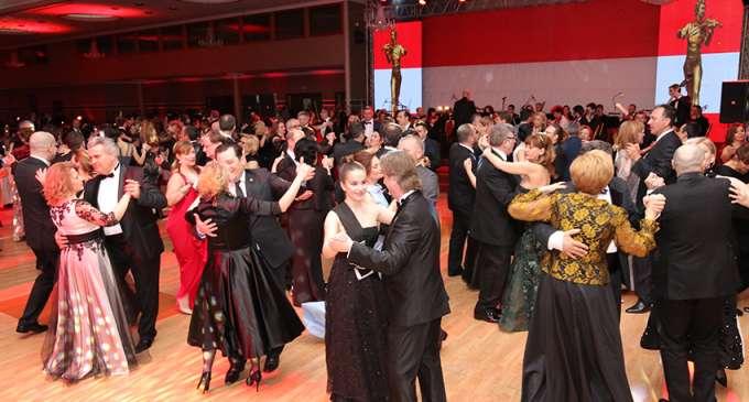 "Одржан традиционалниот ""Виенски бал"" во Скопје"