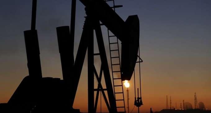 Цената на нафтата стабилна околу 52 долара