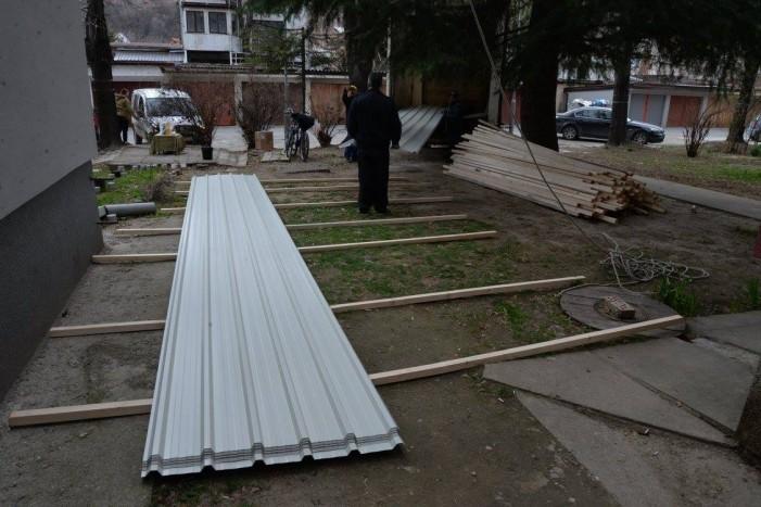 Нов покрив за станбена зграда во Козле