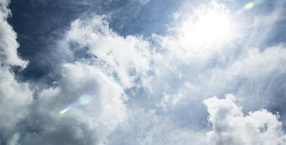Облачно со сончеви периоди и пониски температури