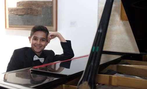 """Младиот македонски пијанист Арда Мустафаоглу лауреат на Sirmium Music Fest"""""""